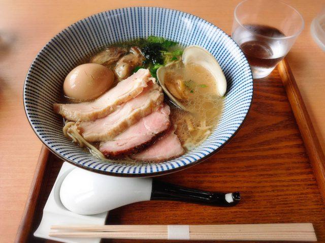 貝出汁と鴨出汁の上品なスープが絶品、麺屋玄洋のラーメン