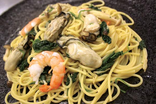 冬の味覚! 牡蠣とホウレン草のスパゲティ